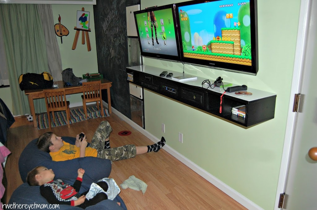 But was fascinated my kids the most? Two\u2026.yes TWO\u2026.televisions. With both a X-Box 360 with Kinect and a Nintendo Wii both of my olders could play a ... & Omni Kid\u0027s Fantasy Suite ~ Omni San Antonio at the Colonnade - R We ...