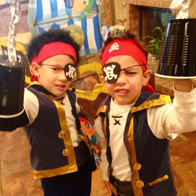Arggghhhhh! Hosting a few friends for a Jake & the Neverland Pirates play date. #disneykids #DisneySide