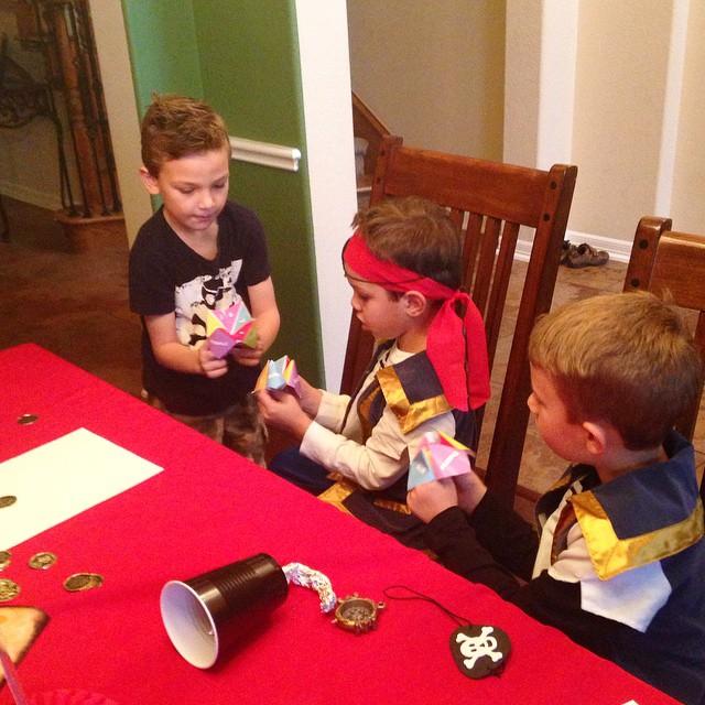 3 little pirates telling their fortunes..... #disneykids #DisneySide