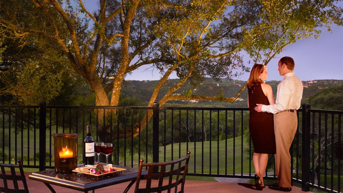 Texas valentine 39 s weekend getaways texas hotels spa for Spa weekend getaways for couples