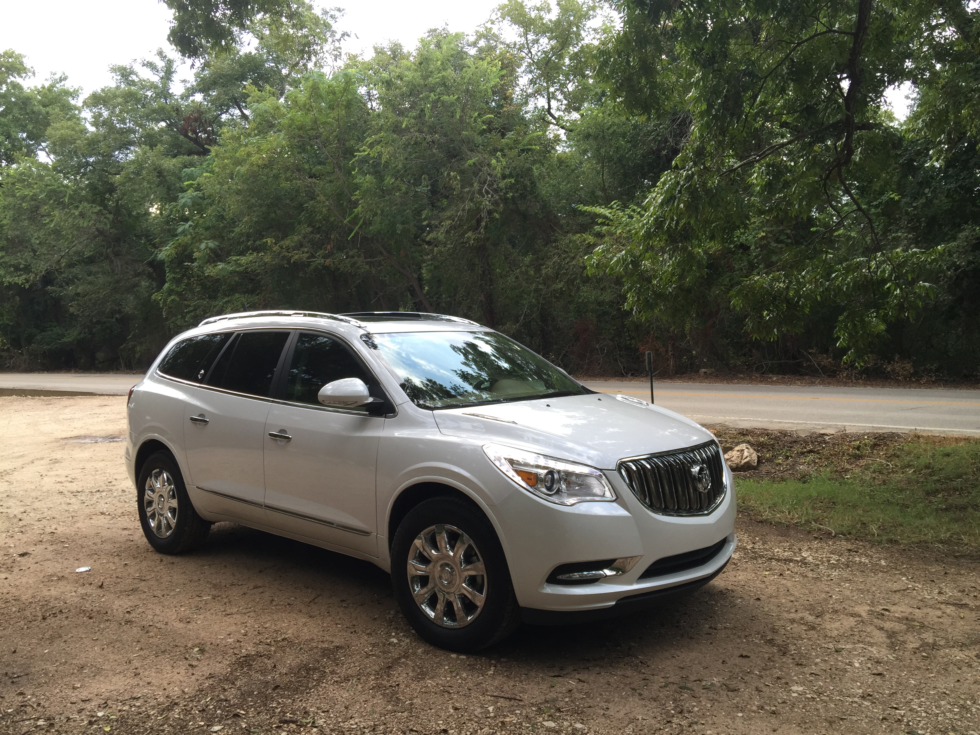 cars buick enclave united