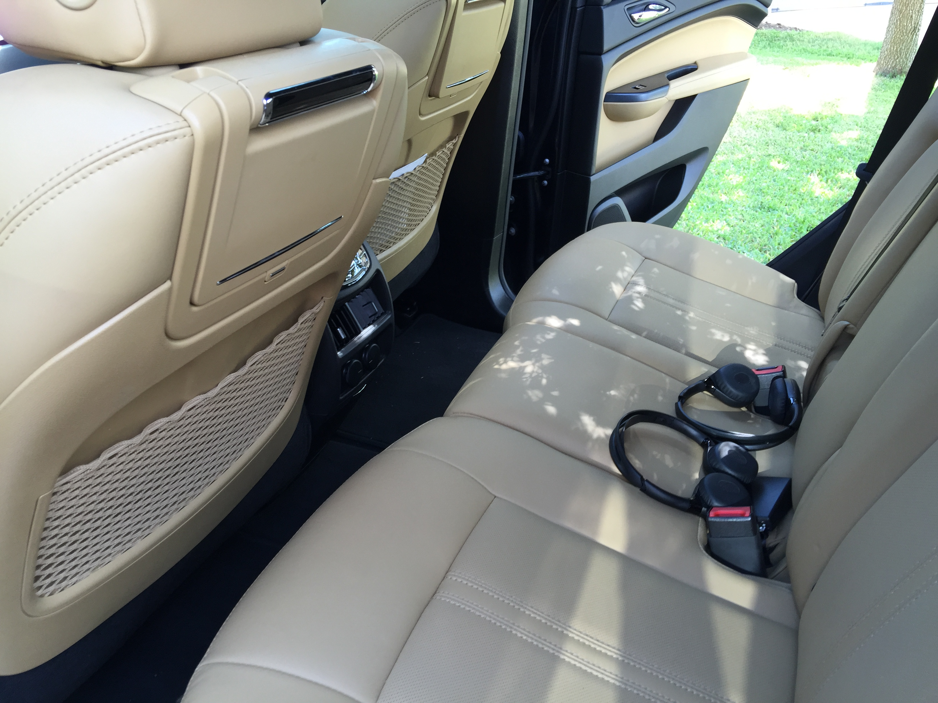 cars crossover pin rear cadillac exterior pinterest