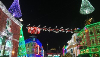 7 Reasons You MUST See the Osborne Family Spectacle of Dancing Lights
