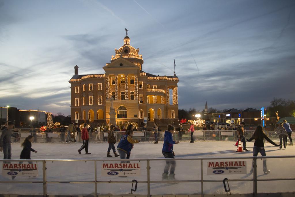 Wonderland Of Lights Marshall Texas Historic Holiday