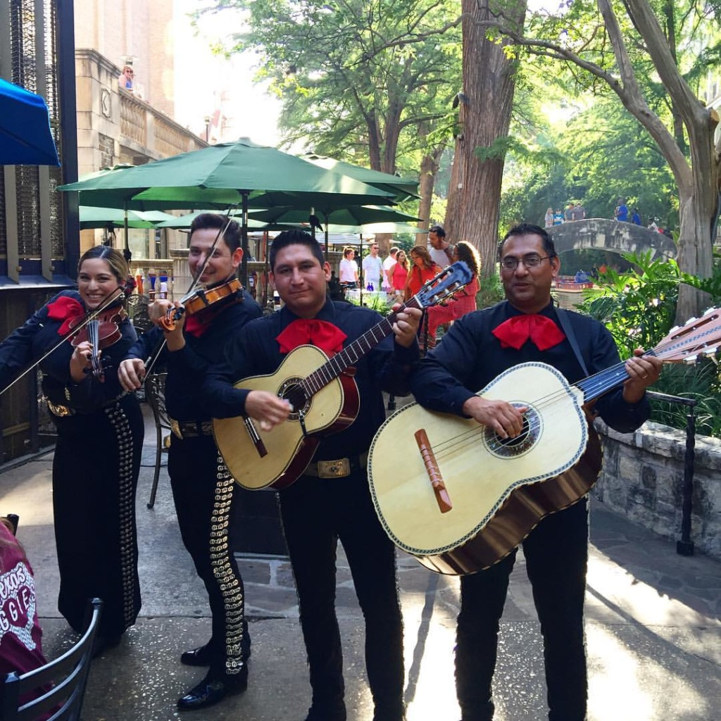 San Antonio with Kids- Mariachi Band