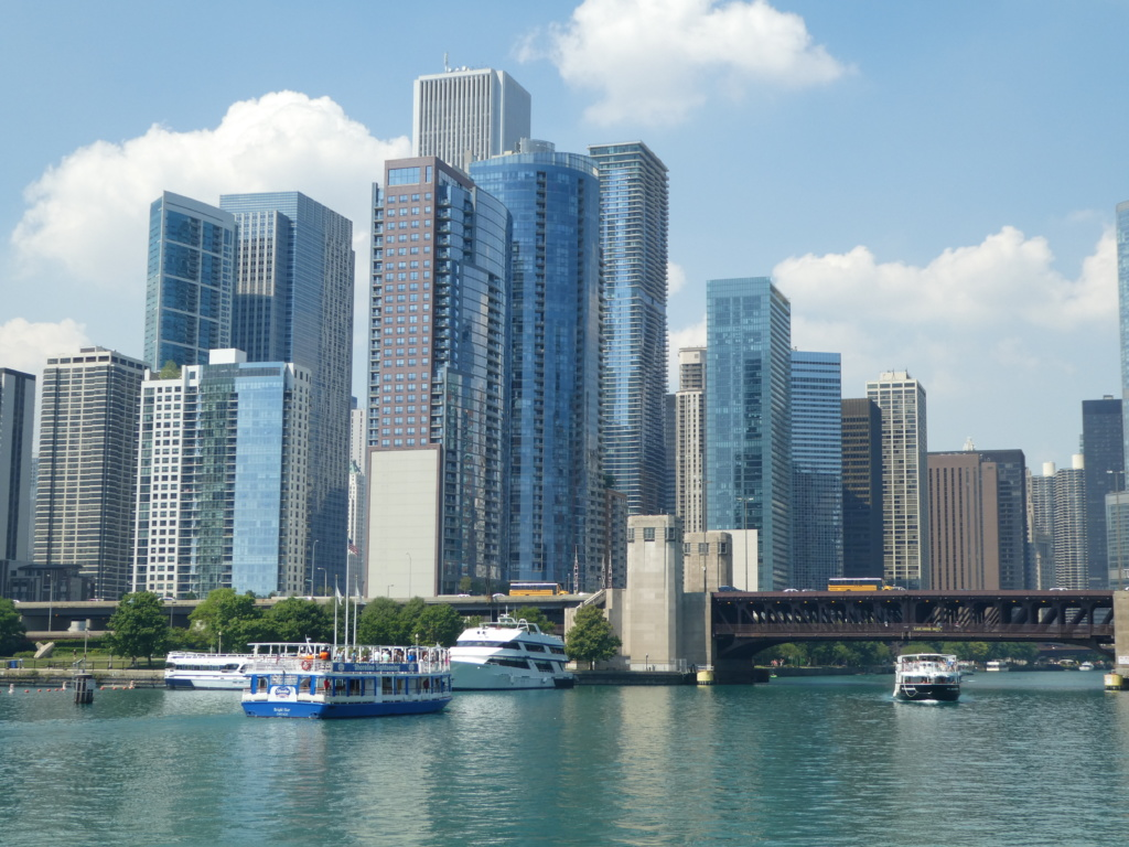 Chicago with Kids - boat tour