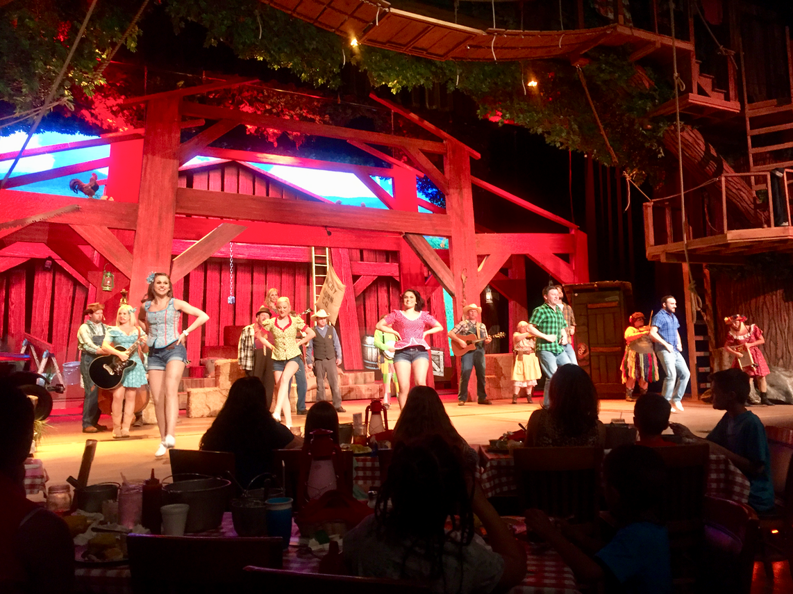 Hatfield & McCoy Dinner Feud in Pigeon Forge Tennessee