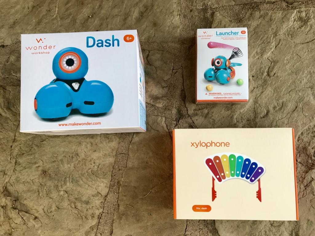 Dash STEM Robot from MakeWonder